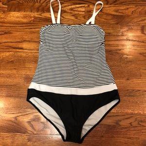🆕 Venus Striped One Piece Swimsuit